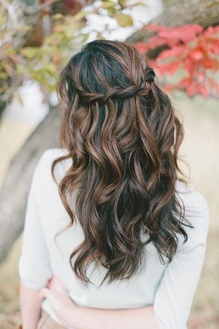 Простые прически на волнистые волосы
