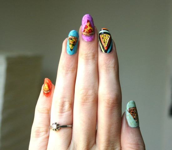tiny-pictures-on-nails-nail-art11