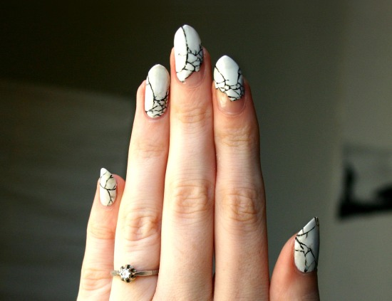 tiny-pictures-on-nails-nail-art12