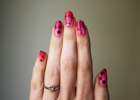 tiny-pictures-on-nails-nail-art20