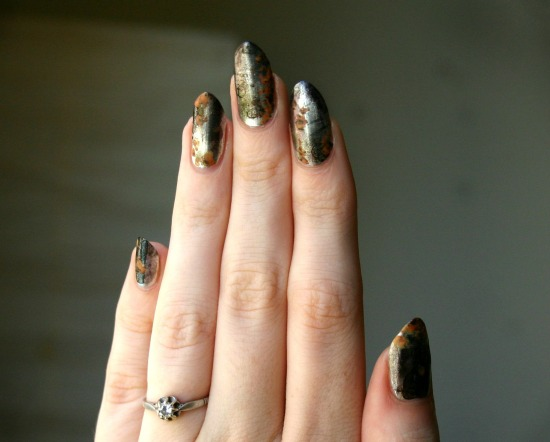 tiny-pictures-on-nails-nail-art3