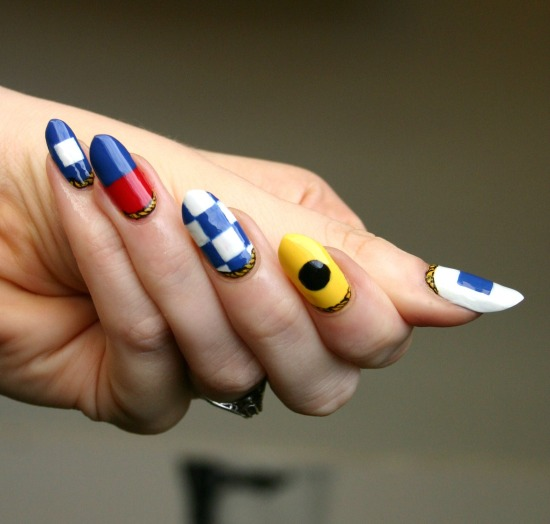 tiny-pictures-on-nails-nail-art4