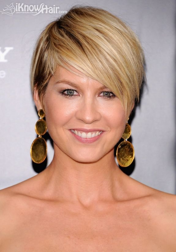 Groovy Razor Haircuts Razor Cut Hair Razor Hair Cut Razor Cut Hairstyle Inspiration Daily Dogsangcom
