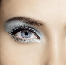 12 - Bright Eye Makeup