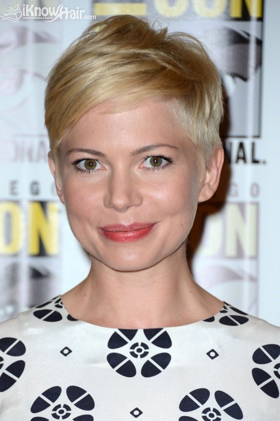 short-celebrity-hair-styles-10