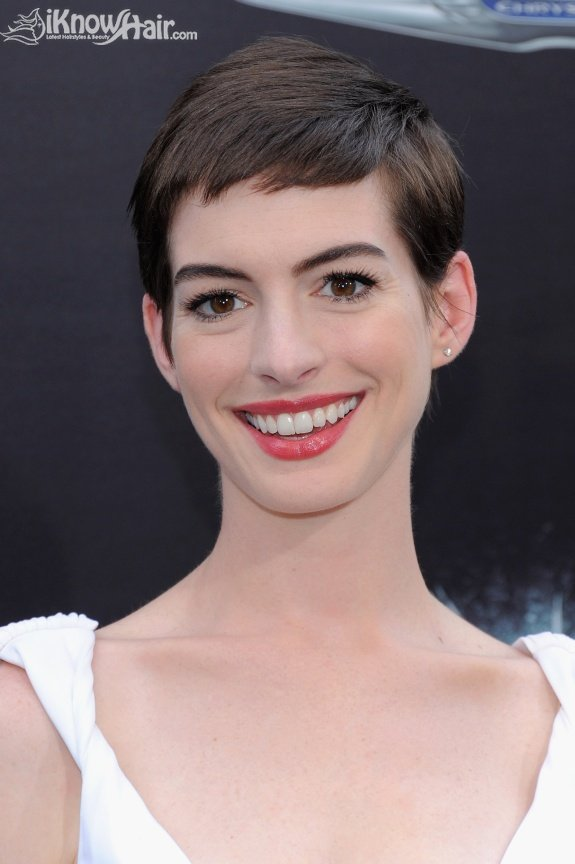 short-celebrity-hair-styles-11
