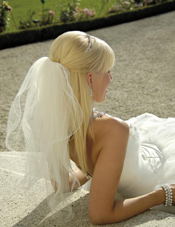 Wondrous I Want To See Photos Of Brides With Straight Hair Weddingbee Short Hairstyles Gunalazisus