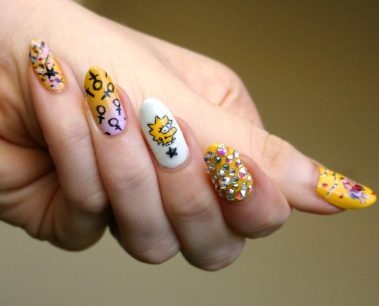 tiny-pictures-on-nails-nail-art14