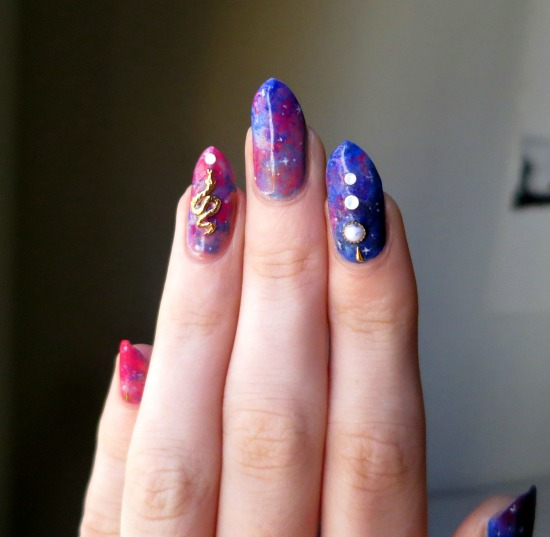 tiny-pictures-on-nails-nail-art21