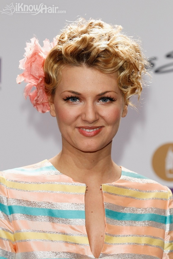 how to style a pixie cut for a formal event
