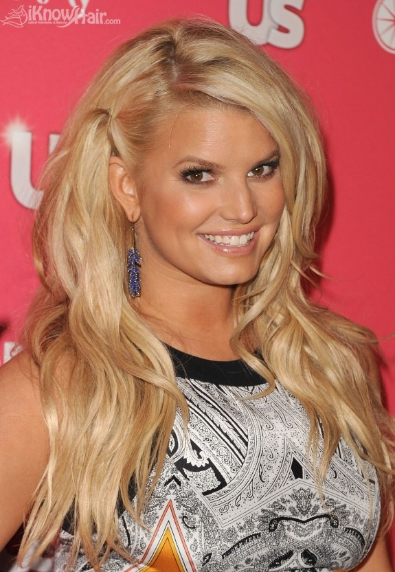 Jessica Simpson arrives at the Us Weekly Hot Hollywood party