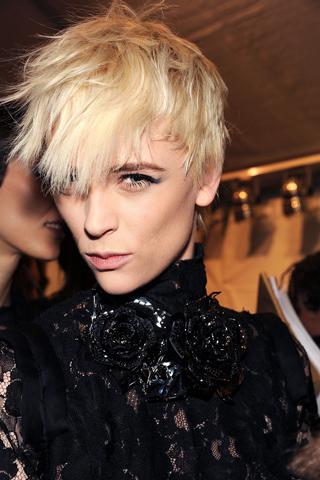 short hair styles 2011